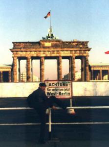 B-MOVIE Mark-in-Berlin