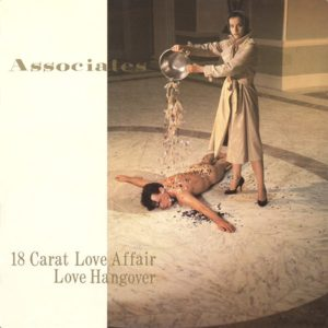 ASSOCIATES 18 carat love affair